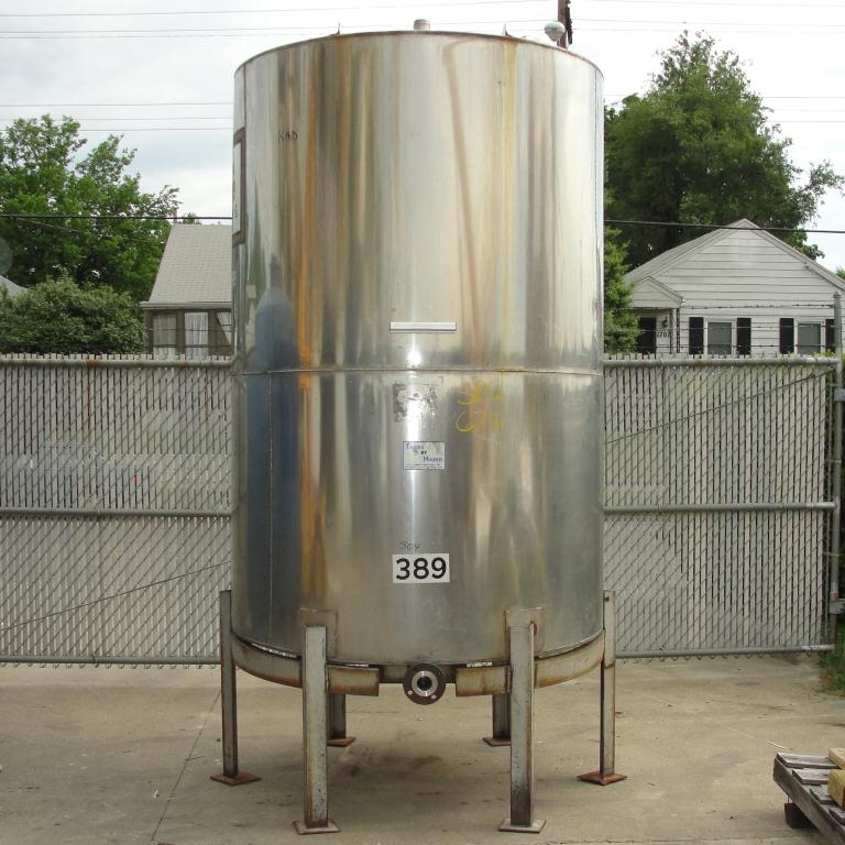 Tank 1054 gallon vertical tank, 304 SS, slope Bottom1