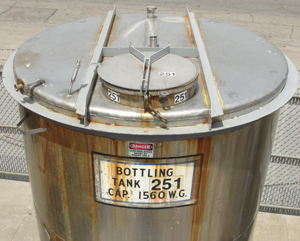 Tank 1560 gallon vertical tank, 304 SS, slope bottom3