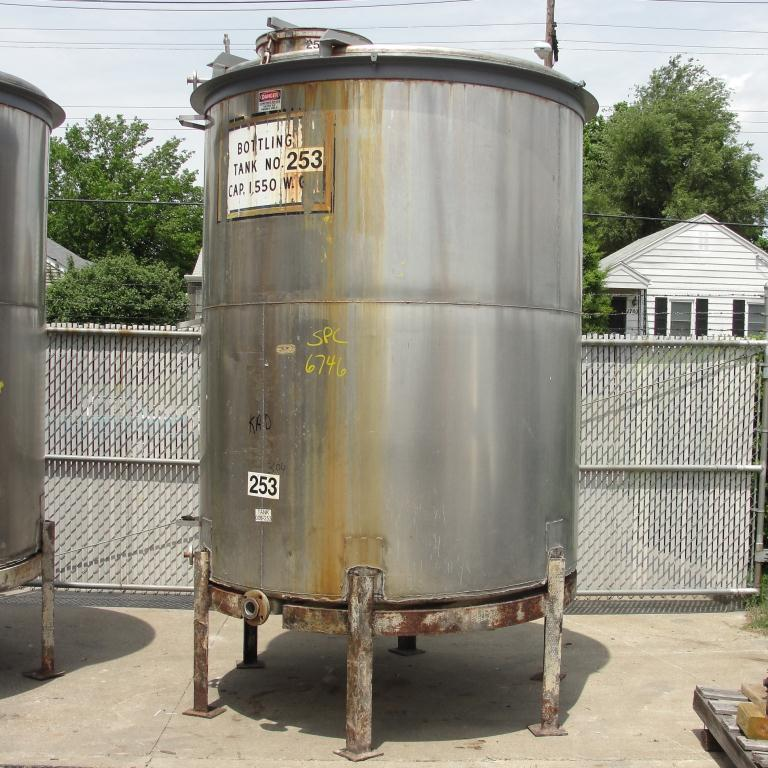 Tank 1560 gallon vertical tank, 304 SS, slope bottom5