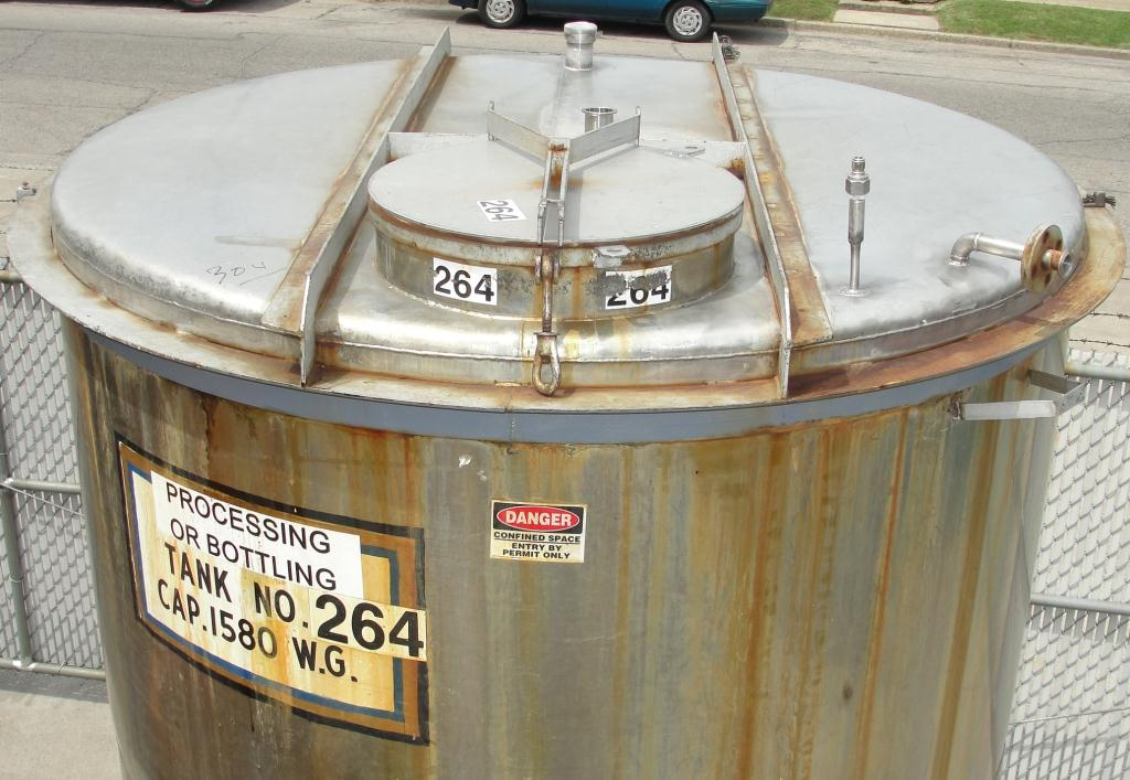 Tank 1580 gallon vertical tank, 304 SS, slope Bottom3