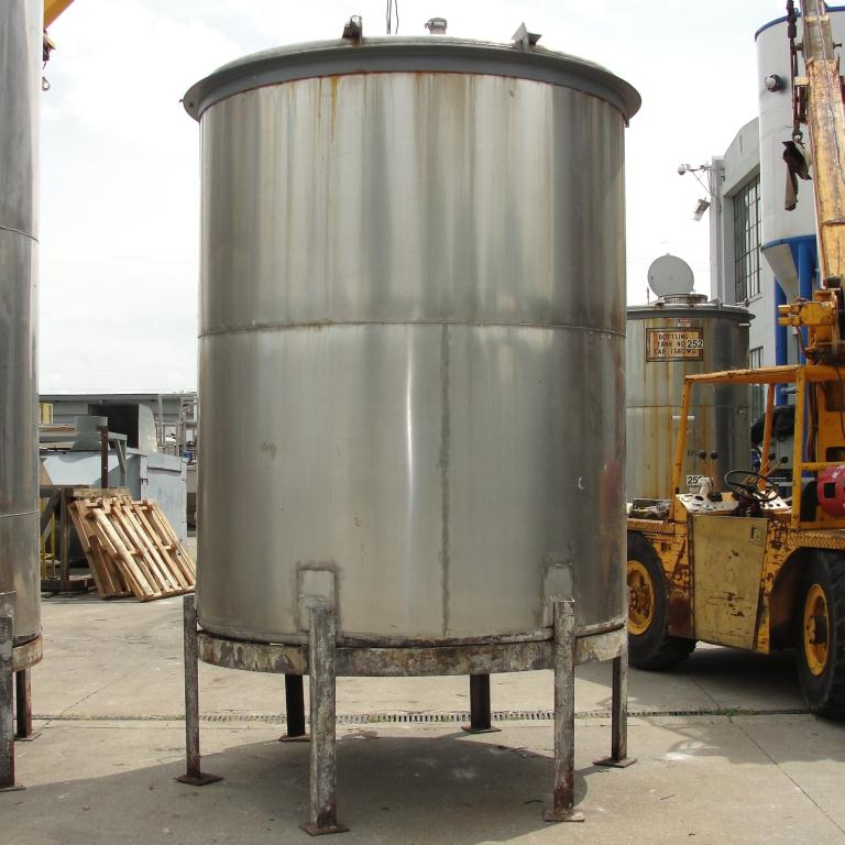 Tank 1580 gallon vertical tank, 304 SS, slope Bottom5
