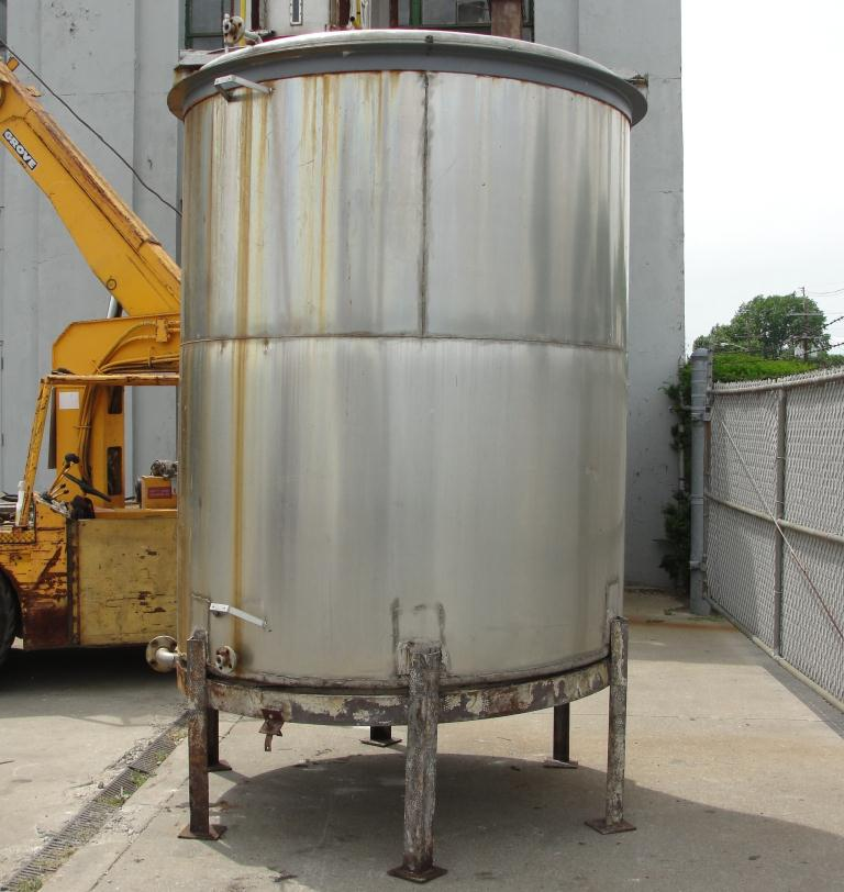 Tank 1580 gallon vertical tank, 304 SS, slope Bottom6