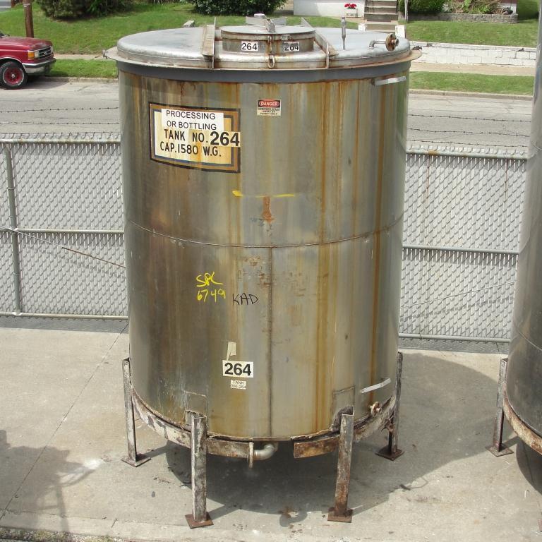 Tank 1580 gallon vertical tank, 304 SS, slope Bottom7