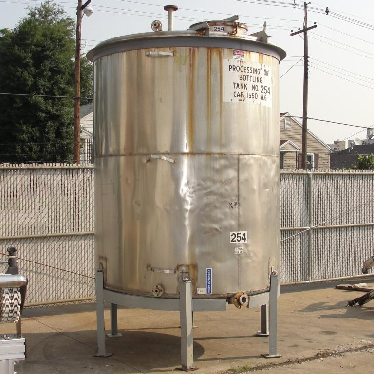 Tank 1550 gallon vertical tank, 304 SS, slope bottom4
