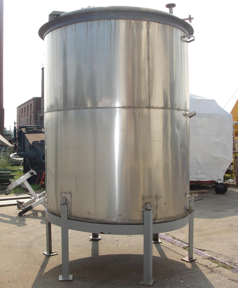 Tank 1550 gallon vertical tank, 304 SS, slope bottom6