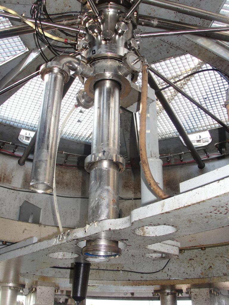 Filler 96 valve KHS liquid gravity filler model Compacta-Tronic monoblock, 5.56 centers, 580 bpm4