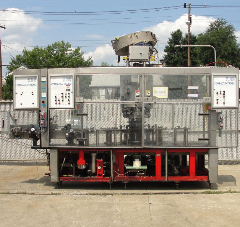 Filler 96 valve KHS liquid gravity filler model Compacta-Tronic monoblock, 5.56 centers, 580 bpm7