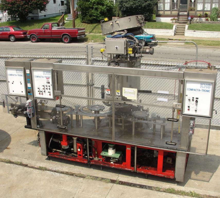 Filler 96 valve KHS liquid gravity filler model Compacta-Tronic monoblock, 5.56 centers, 580 bpm9