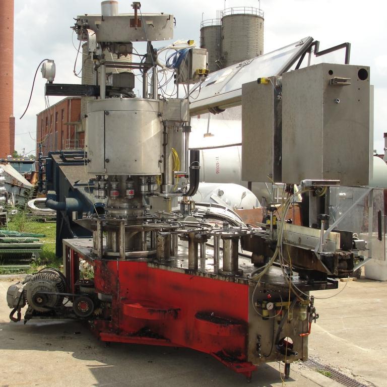 Filler 96 valve KHS liquid gravity filler model Compacta-Tronic monoblock, 5.56 centers, 580 bpm10