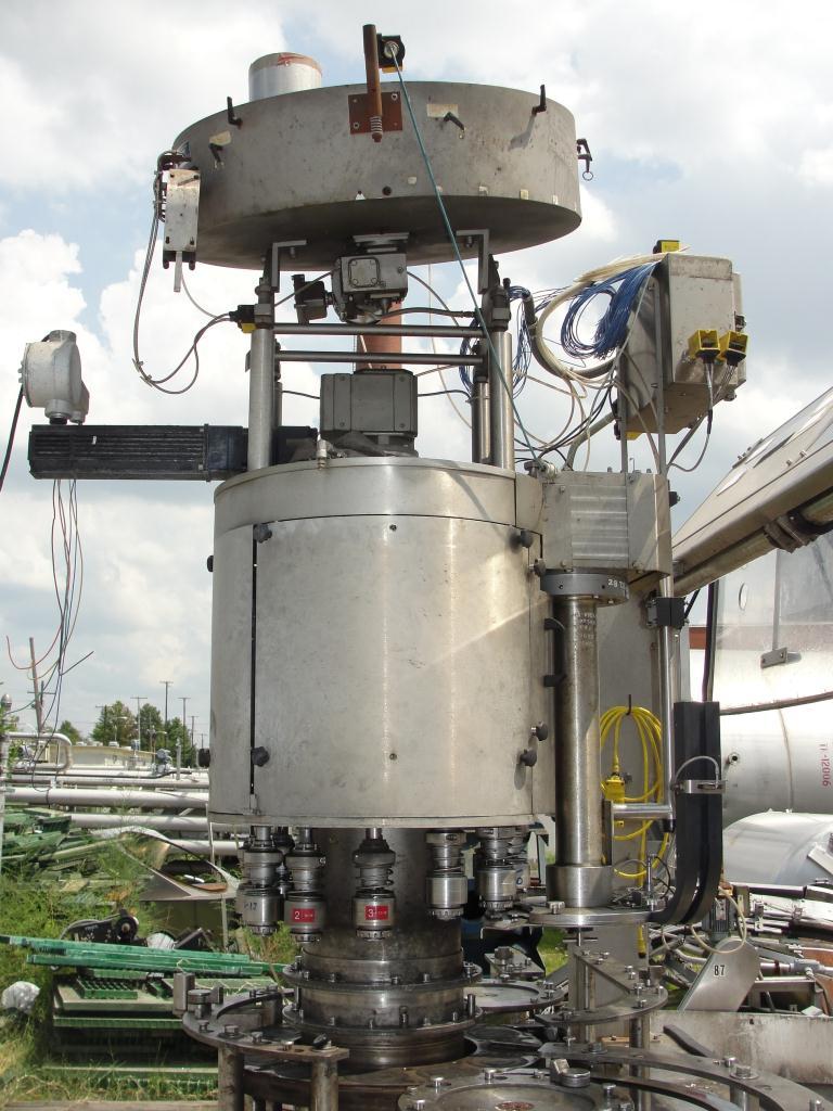 Filler 96 valve KHS liquid gravity filler model Compacta-Tronic monoblock, 5.56 centers, 580 bpm11