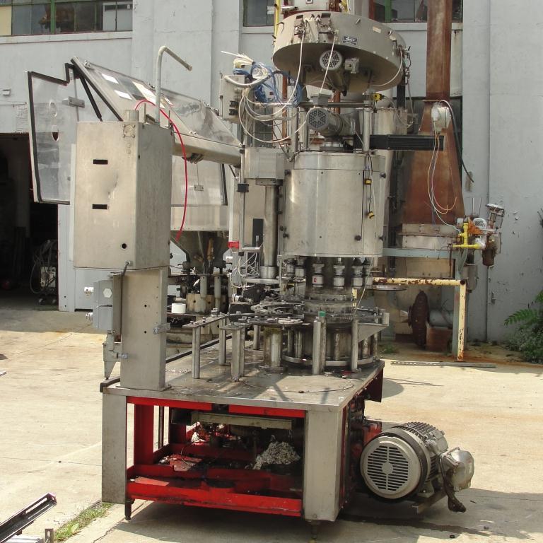 Filler 96 valve KHS liquid gravity filler model Compacta-Tronic monoblock, 5.56 centers, 580 bpm12