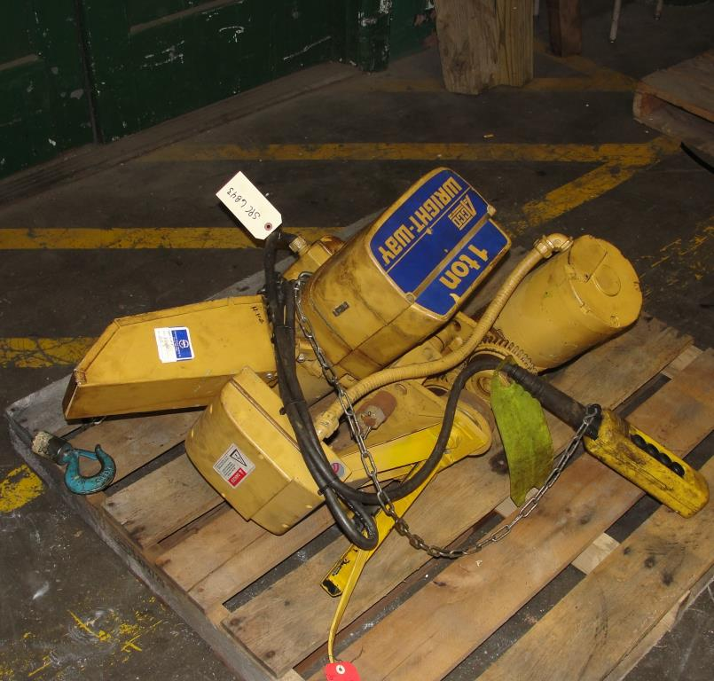 Material Handling Equipment chain hoist, 2000 lbs. ACCO model 2101865, 101