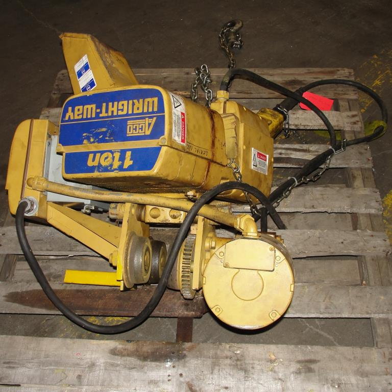 Material Handling Equipment chain hoist, 2000 lbs. ACCO model 2101360, 10 chain3
