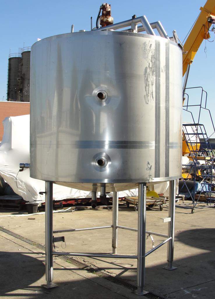 Tank 1000 gallon vertical tank, Stainless Steel, side scrape and paddle agitator, dish bottom6