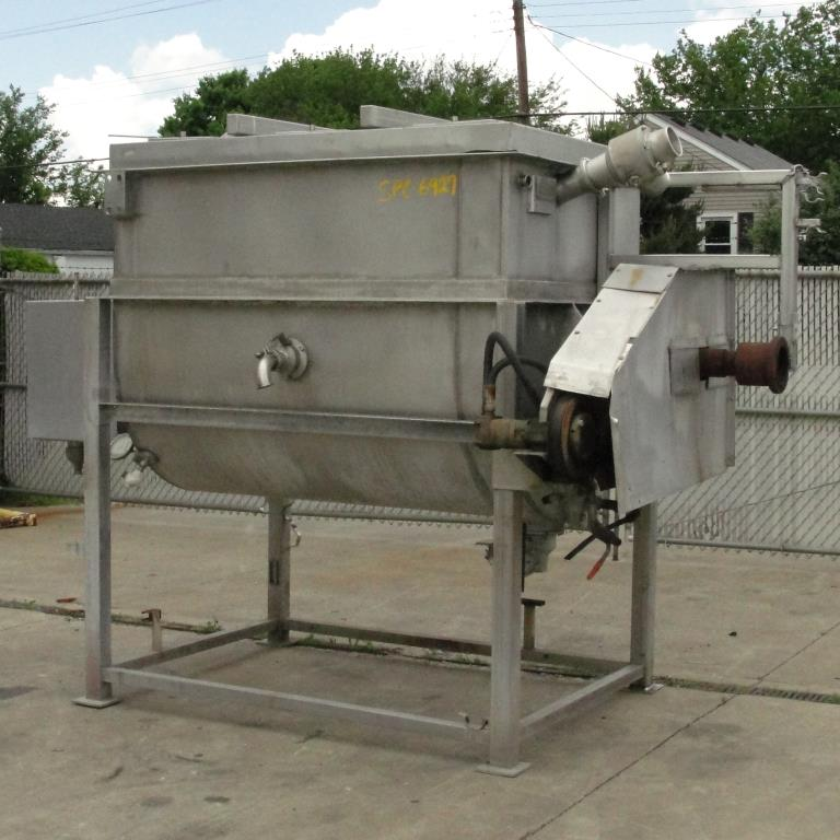 Kettle 650 gallon L & A Engineering processor kettle, agitator rotating tubular spiral heat exchanger, Stainless Steel3