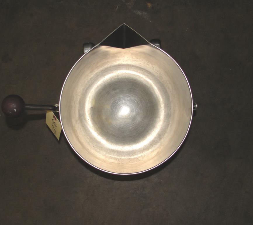 Kettle 5 gallon Groen hemispherical bottom kettle, 45 psi jacket rating, Stainless Steel2