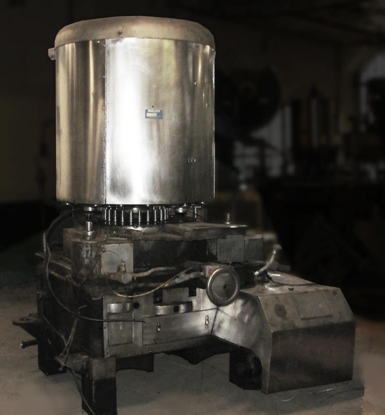 Capping Machine Pneumatic Scale screw capper model 12 Head, 33mm1