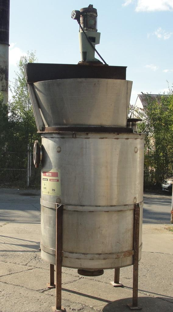 Tank 300 gallon vertical tank, Stainless Steel, 1 hp agitator, conical Bottom