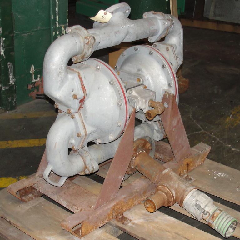 Pump 3 SandPiper diaphragm pump, Aluminum4