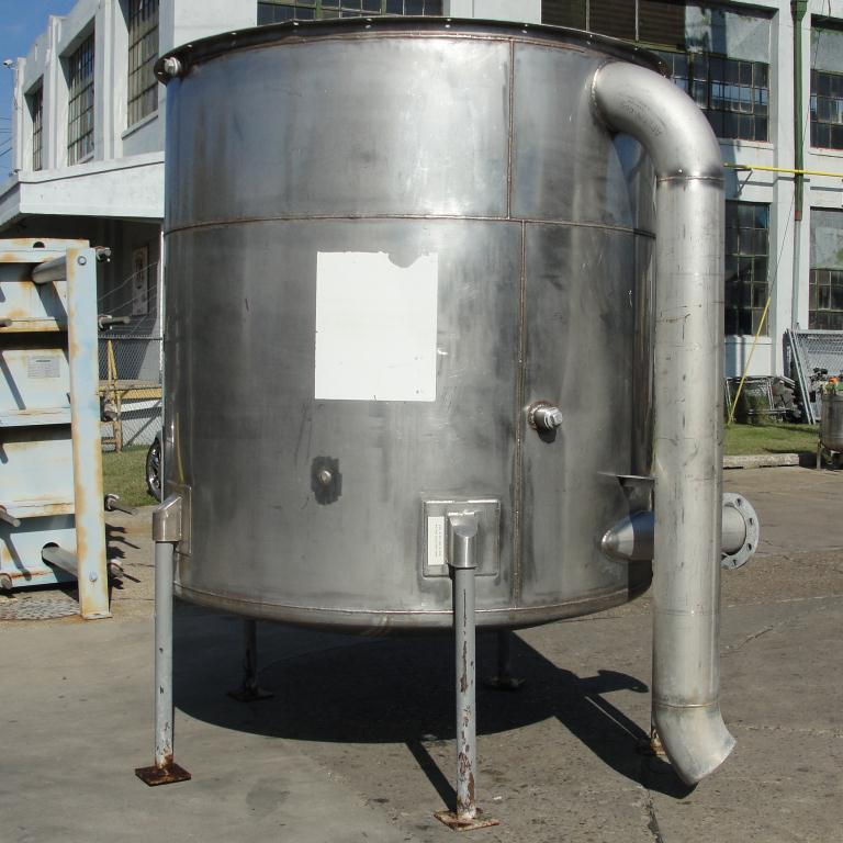 Tank 1100 gallon vertical tank, Stainless Steel, dish bottom6