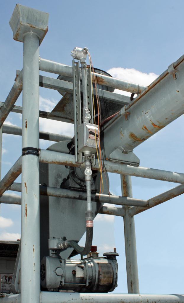 Steel Material Handling Systems : Material handling equipment tote unloader metal craft spi