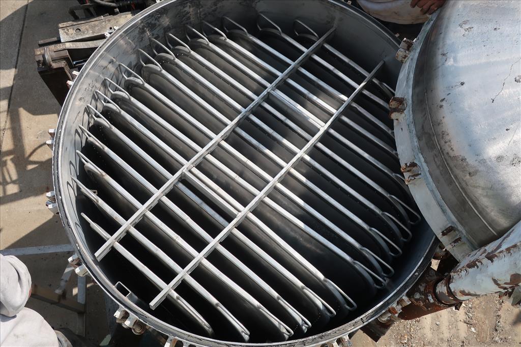 Filtration Equipment 342 sq.ft. Ametek Niagra pressure leaf filter model 48-322-342, 316 SS10