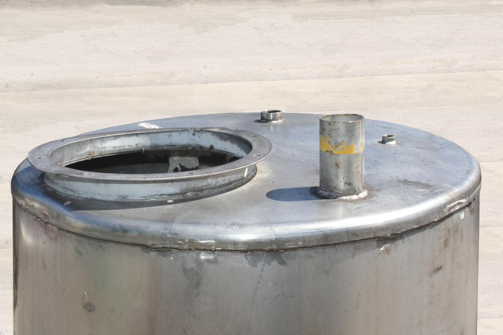 Tank 300 gallon vertical tank, Stainless Steel2
