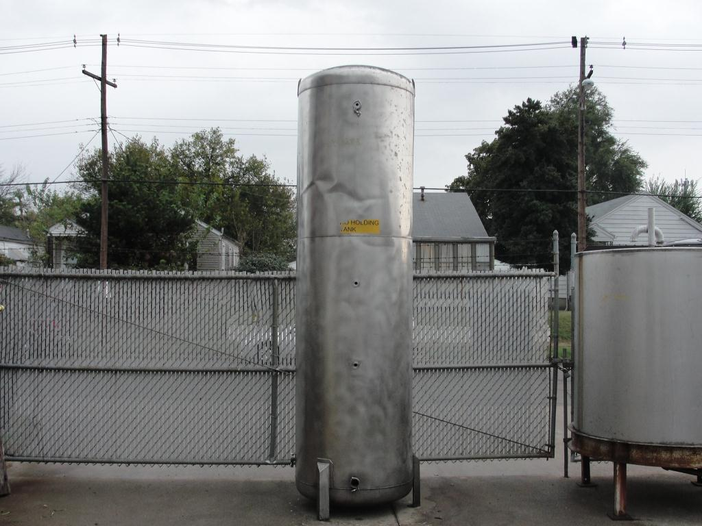 Tank 560 gallon vertical tank, Stainless Steel, dish Bottom