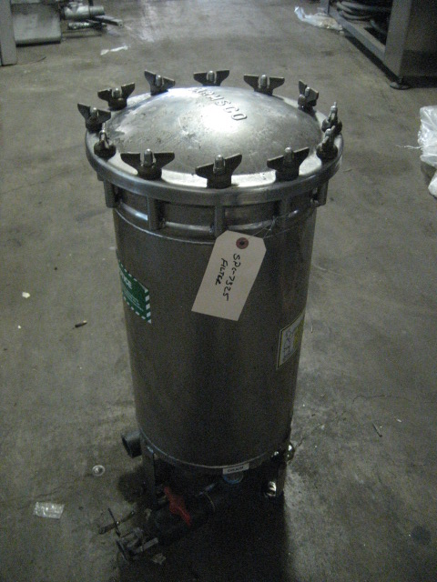 Filtration Equipment 84 sqft Harmsco cartridge filter model HIF 14, Stainless Steel, 150 psi @ 140f1