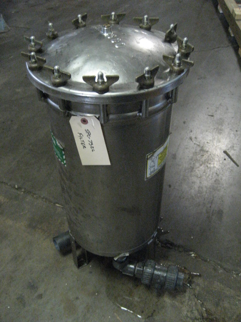 Filtration Equipment 84 sq ft Harmsco cartridge filter model HIF 14, Stainless Steel, 150 psi @ 140f1