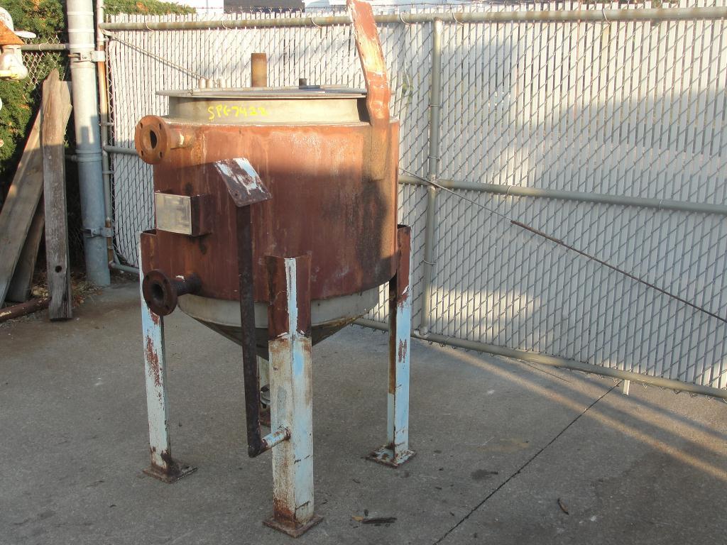 Tank 125 gallon vertical tank, Stainless Steel, 15 PSI jacket, bottom2