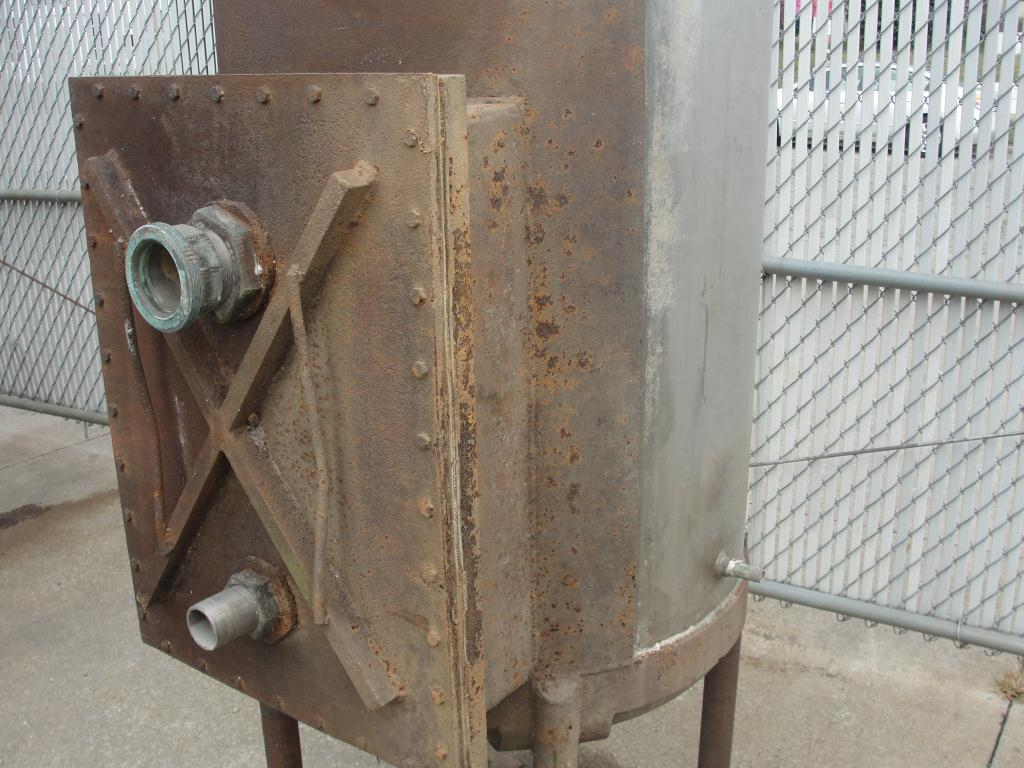 Tank 225 gallon vertical tank, Stainless Steel, dish bottom4
