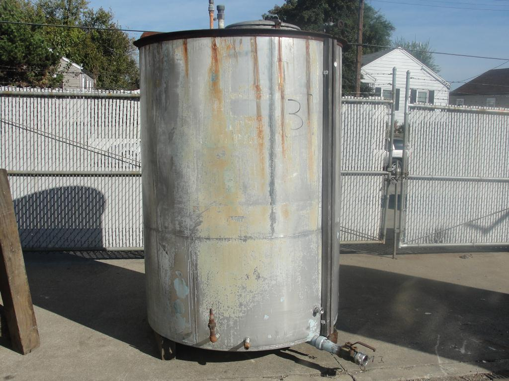 Tank 740 gallon vertical tank, Stainless Steel, flat Bottom