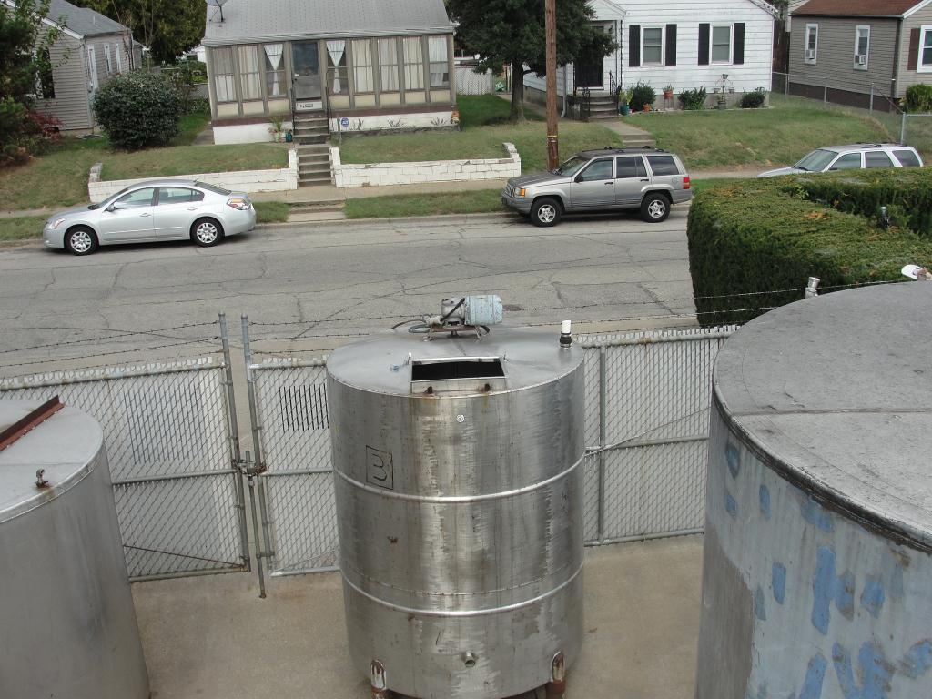 Tank 1000 gallon vertical tank, Stainless Steel, bottom5