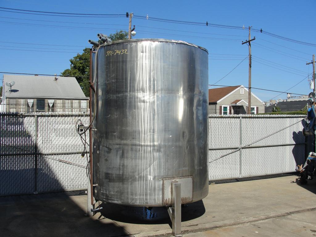Tank 1600 gallon vertical tank, Stainless Steel, dish Bottom