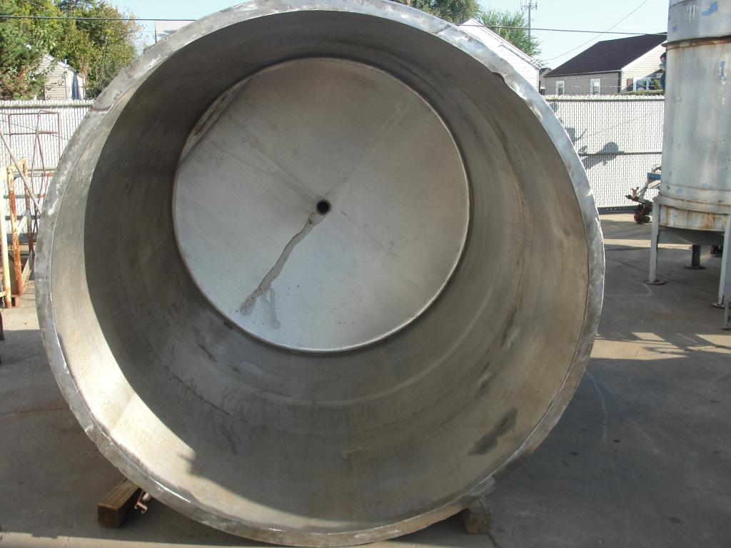 Tank 1600 gallon vertical tank, Stainless Steel, dish5