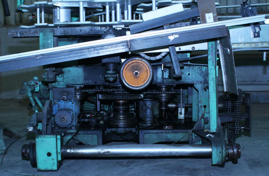 Capping Machine Pneumatic Scale screw capper model Pneumacap, 33 mm chucks10