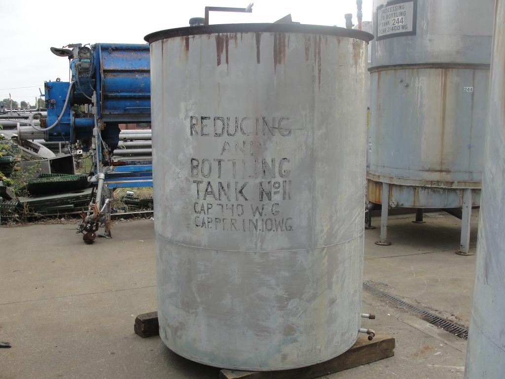 Tank 740 gallon vertical tank, Stainless Steel, flat Bottom2