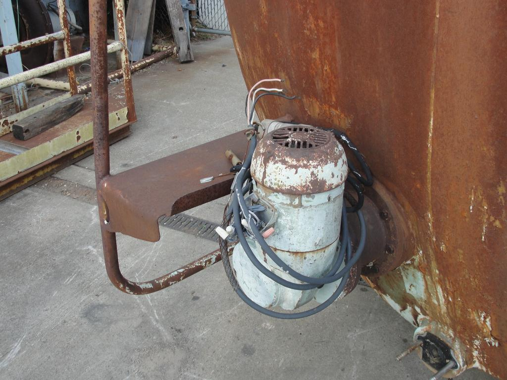 Tank 1700 gallon horizontal tank, Stainless Steel Contact Parts5