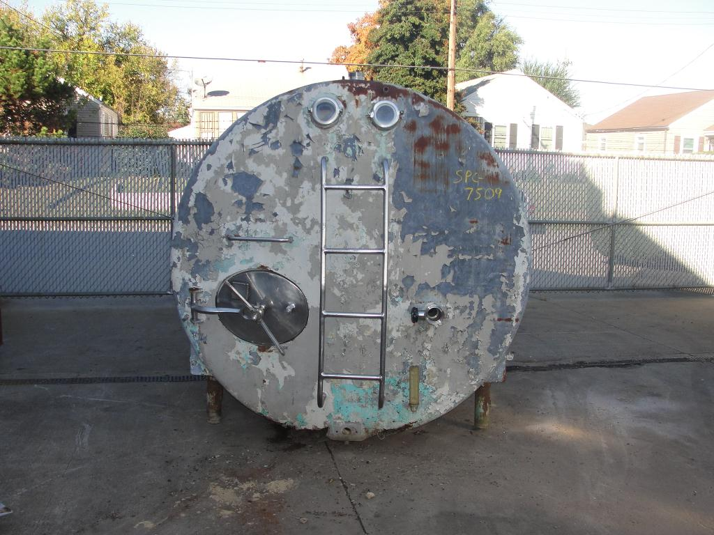 Tank 2800 gallon horizontal tank, Stainless Steel Contact Parts2