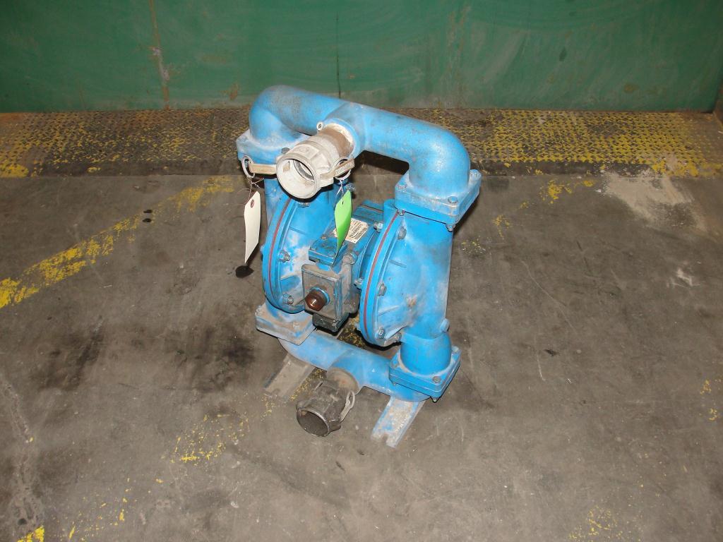 Pump 3 Warren-Rupp Sandpiper diaphragm pump, Aluminum1