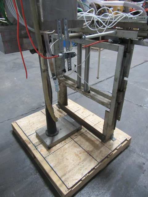 Filler 6 valve ELF liquid gravity filler adjustable from 3.5 to 9 centers7