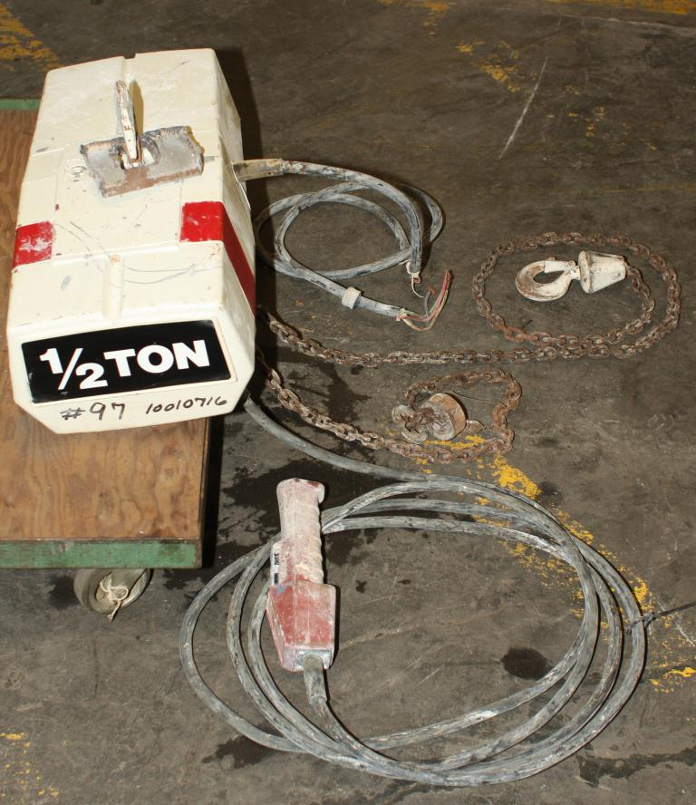 Material Handling Equipment chain hoist, 1,000 lbs. Duff Norton model EC-1016.33
