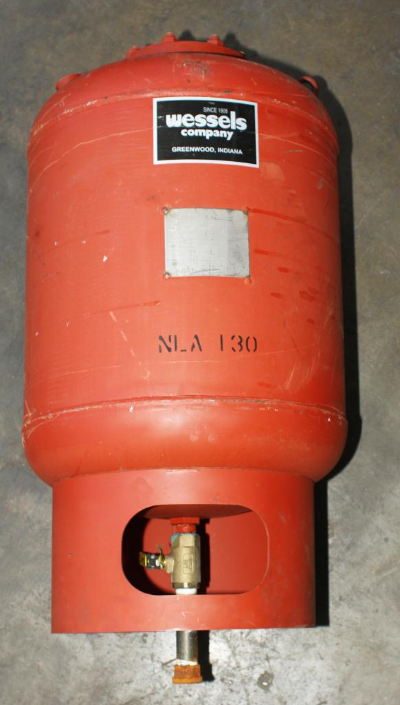 Tank 35 gallon vertical tank, CS, 125 PSI at 240 degrees F internal, dish bottom, Hydronic Expansion Tank2