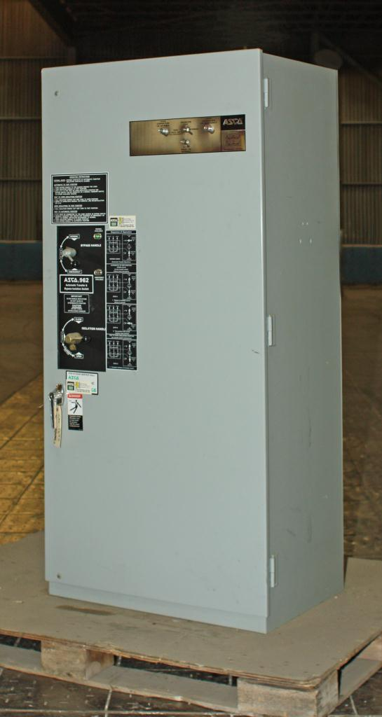 Transformers and Switchgear ASCO switchgear model E 962215036 C  120 V volts, 150 Amps amps, 60 Hz1