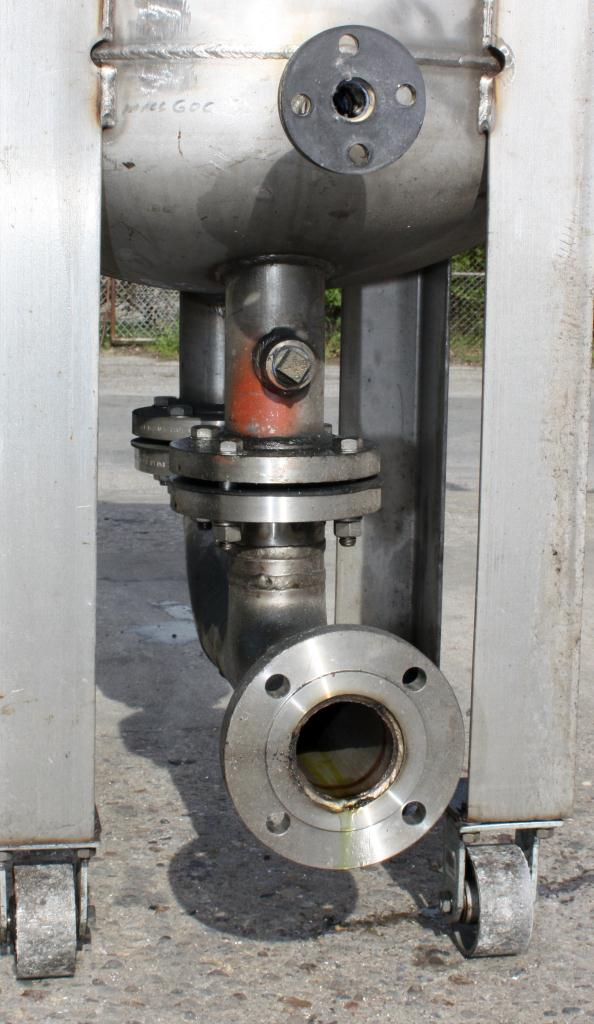 Tank 80 gallon vertical tank, Stainless Steel, MAWP 125 PSIG @ 300 °F internal, dish bottom, surge tank4