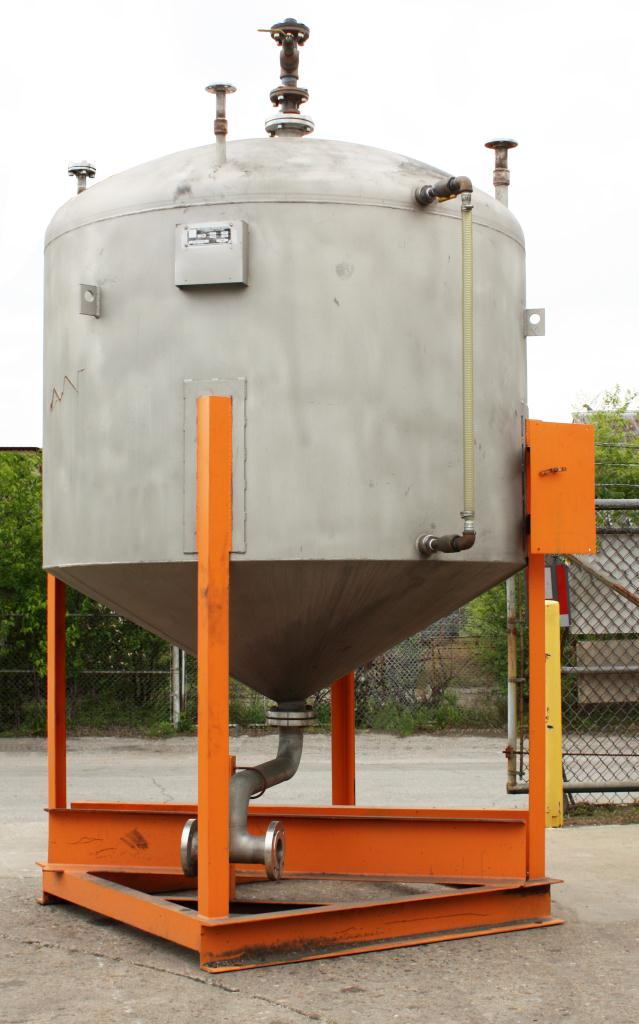 Tank 900 gallon vertical tank, Stainless Steel, conical Bottom1