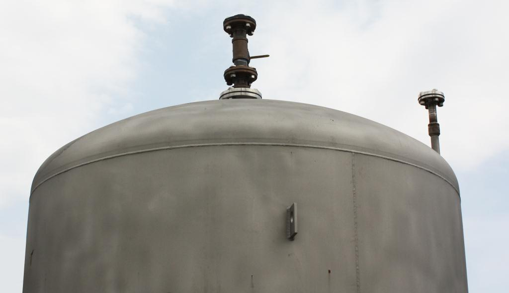 Tank 900 gallon vertical tank, Stainless Steel, conical bottom3
