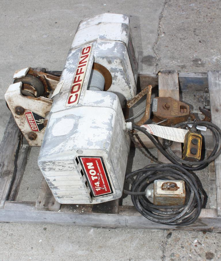 Material Handling Equipment chain hoist, 500 lbs. Duff-Norton model WR.102.BM5