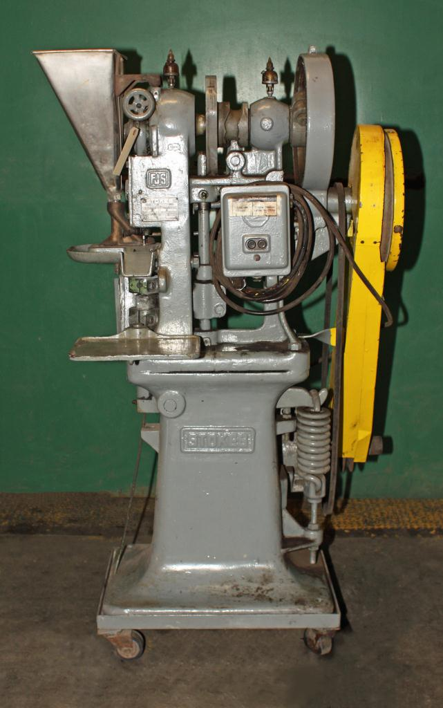 Press Stokes tablet press model F, 1 stations, 4 ton, 3/4 dia. x 11/16 dep. tablet size2